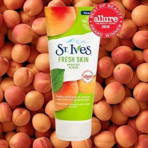 St Ives Gommage Visage Rafraîchissant à l'Abricot 170 Gr